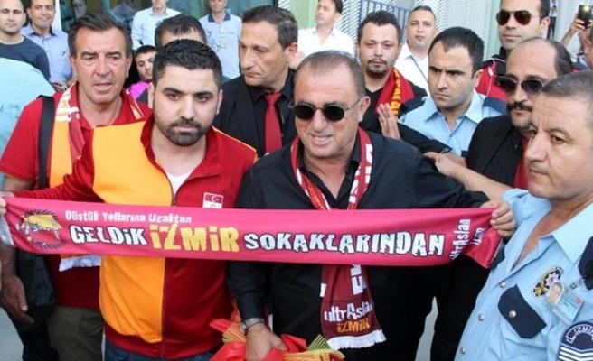 Galatasaray, İzmir'de şampiyon gibi karşılandı