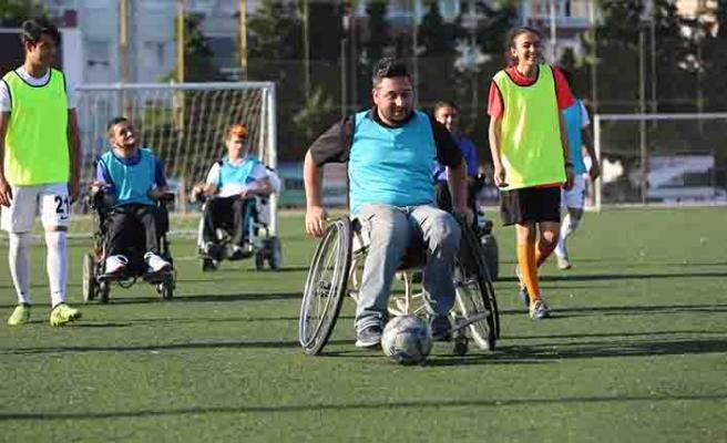 Gaziemir'de engelsiz futbol