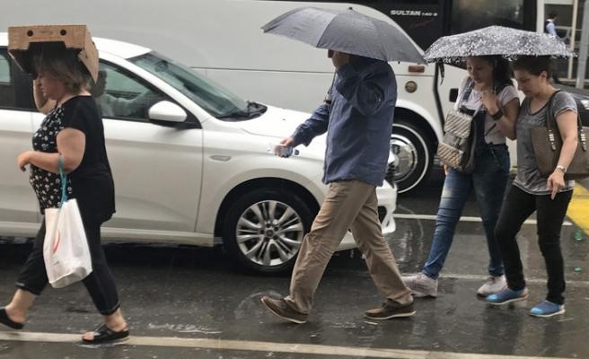 İzmir'de şiddetli yağış!