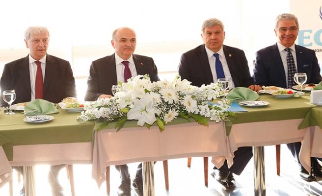 İzmir'e 'Teknoloji Üssü Şirketi' geliyor!