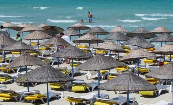 Çeşme'nin gözde plajında, tatilcileri sevindiren haber!