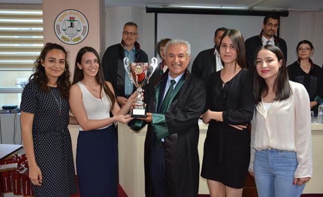 İzmirli  stajyer avukatlar birinciliği kaptırmadı