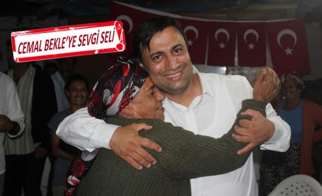 AK Partili Bekle, günde yüzlerce insanı dinliyor
