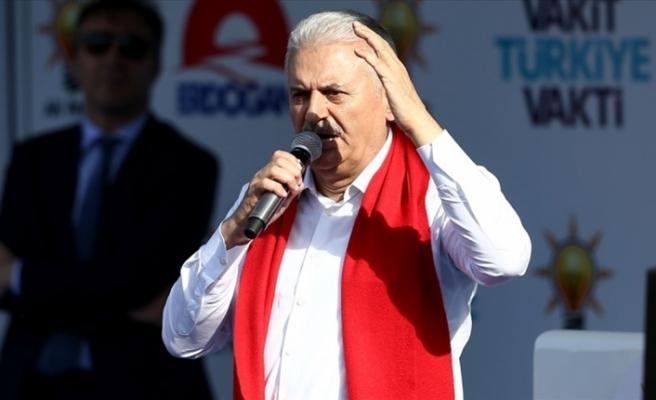 Başbakan Yıldırım: Atatürk'ün partisi teröre destek verenlerden medet umuyor