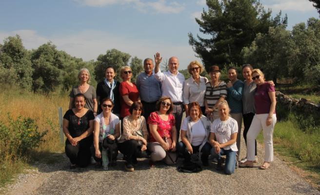 CHP'li Bakan, 'gönüllü' ekibiyle sahaya indi!