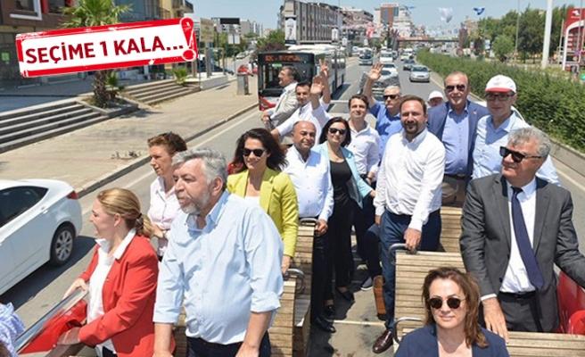 CHP'nin İzmir vekil adaylarından otobüsle teşekkür turu!