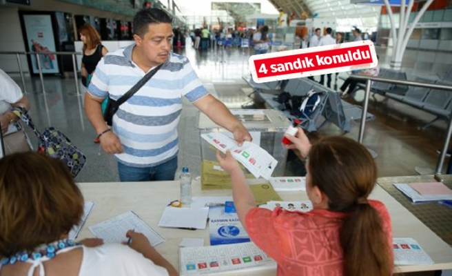 İzmir'de ilk oylar kullanıldı!
