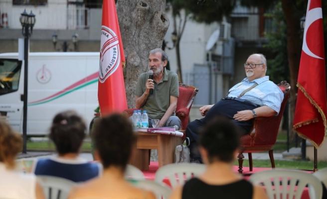 İzmir'in ünlü yazarları Karşıyakalılarla buluştu