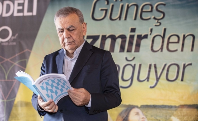 """""""İzmir modeli"""" 5 ciltlik kitap oldu"""