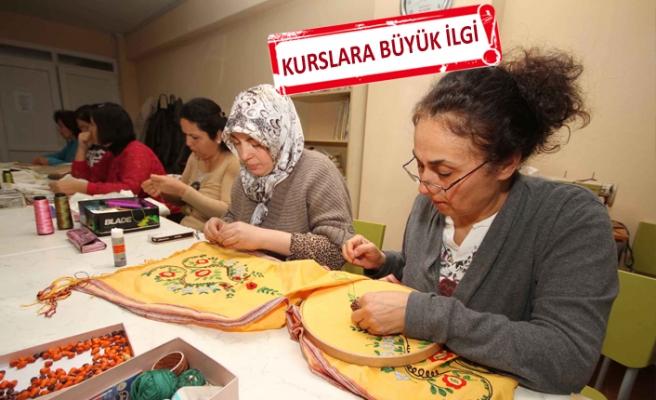 Karşıyaka'da yaz kurslarına binden fazla kayıt yaptırıldı