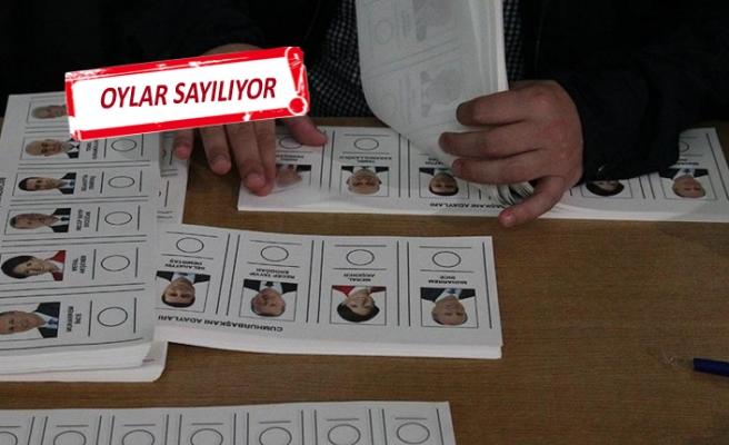 Sandıklar kapandı, İzmir'de heyecan dorukta...