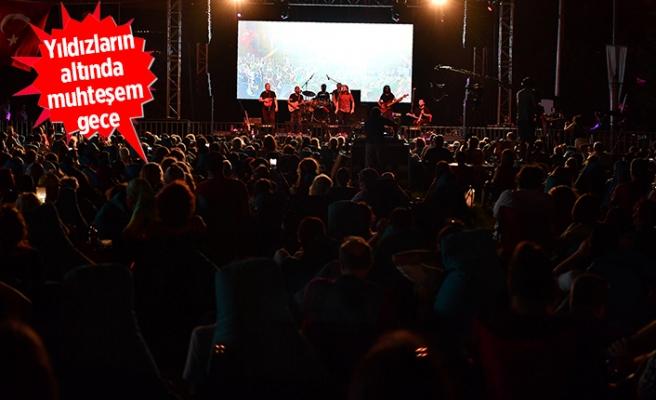 Çim Konserleri'nde, Karadeniz fırtınası esti