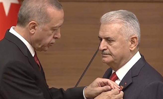 Erdoğan'dan Yıldırım'a 'Devlet Şeref Madalyası'