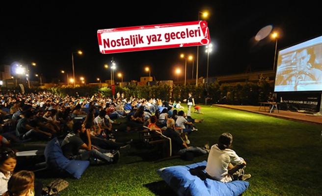 İzmir'de nostalji günleri: Açık havada sinema keyfi