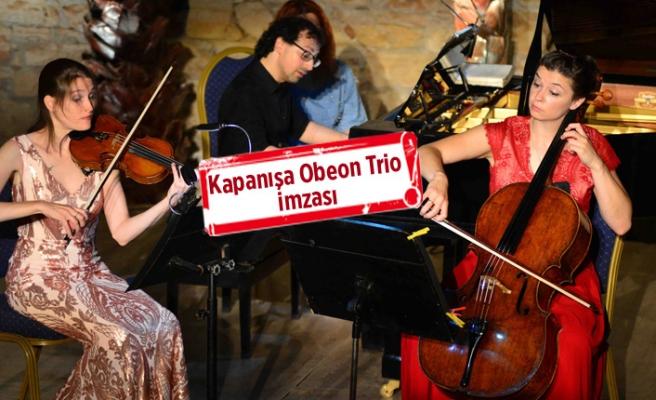 Kapanışa Oberon Trio imzası