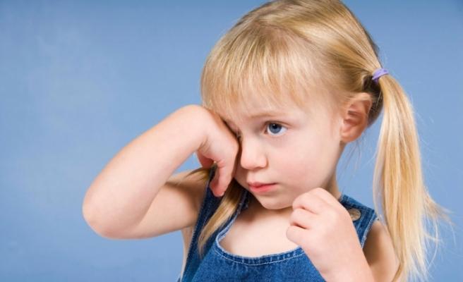Anne-babalar dikkat! Çocuğunuzun baş ağrıları derslerini etkilemesin!