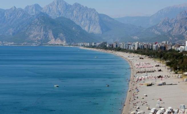 Bakan açıkladı: Halk plajları ihaleye çıkıyor