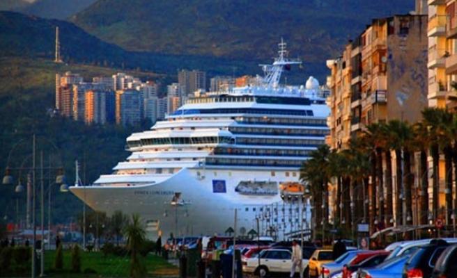 Rota yeniden İzmir'e çevrilecek: Kruvaziyer sinyali!