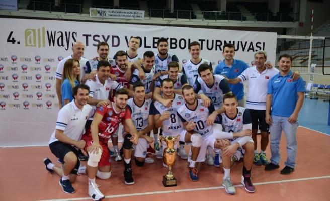 4. Allways TSYD İzmir Voleybol Turnuvası'nda Arkas Spor şampiyon