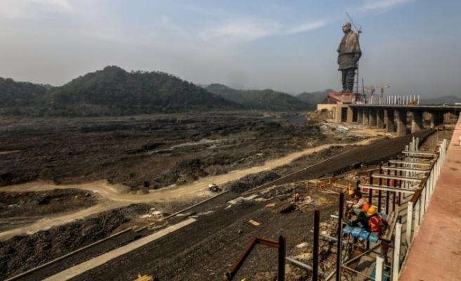 Dünyanın en uzun heykeli açıldı!