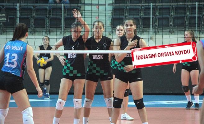 Bornova, voleybolcu kızları ile gurur duyuyor