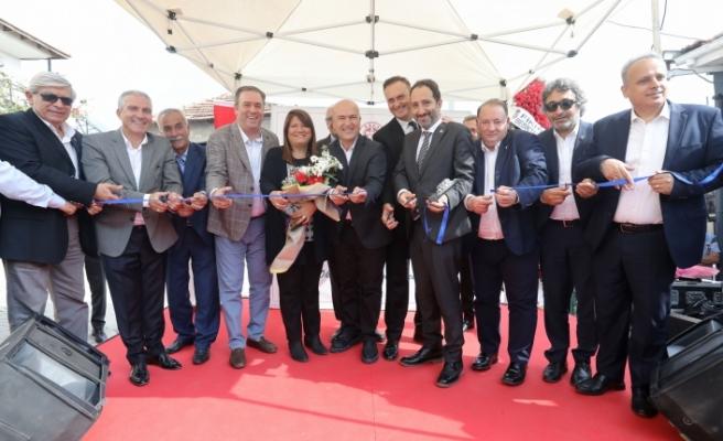 Cumhuriyet Kütüphanesi, Buca'da coşkuyla açıldı