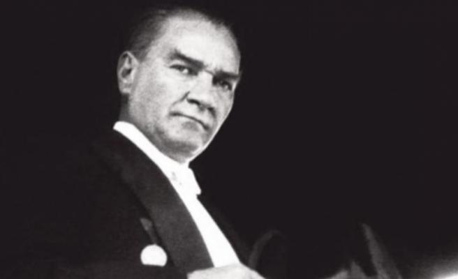 """İlkokul öğretmenine """"Atatürk'e hakaret"""" incelemesi"""