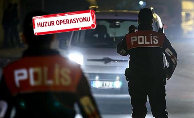 İzmir'de, aranan 243 kişi yakalandı