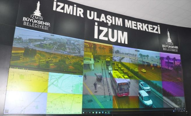 İzmir trafiğine 'kamera' hamlesi:  Otobüslere geçiş üstünlüğü