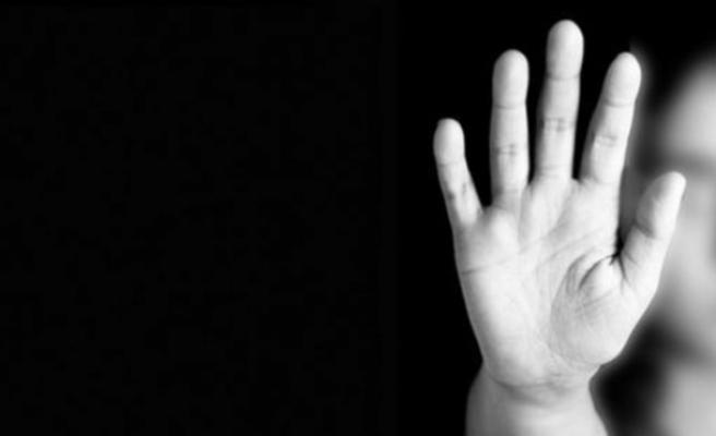 Birlikte yaşadığı kadının kız çocuğuna cinsel istismardan beraat etti