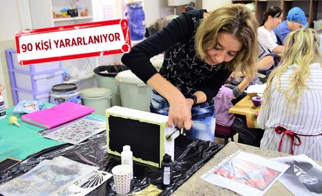 Bornova'dan kadınlar için 5 ayrı merkezde el sanatları kursu!