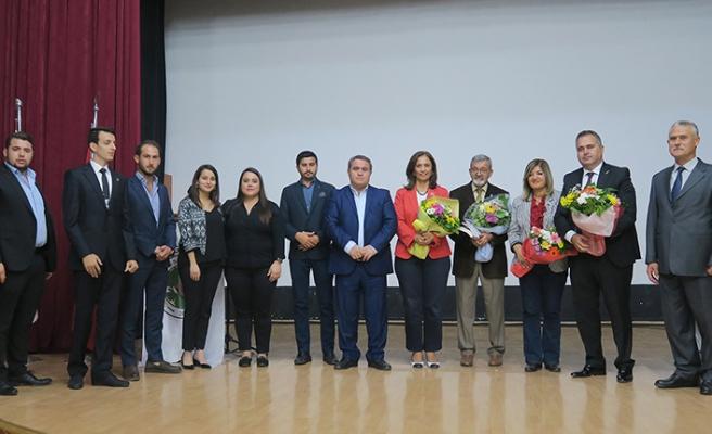 Foça Belediyesi'nden 'Cumhuriyet Kadını' paneli