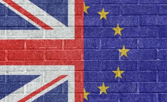 İngiltere'de şok Brexit çatlağı: İstifa etti