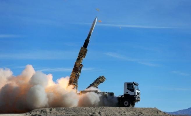 İran'dan ABD'ye füzeli yanıt!
