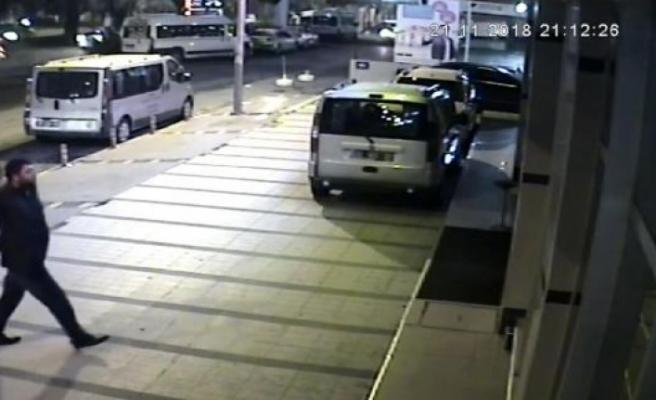 İzmir'de çekiçli saldırgan