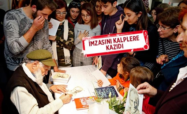 Konak'ta 'Atatürk' kokan sergi!