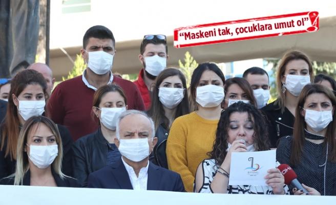 """Lösemili çocuklara """"maskeli"""" destek"""