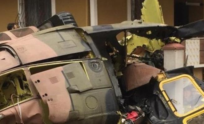 İstanbul'da askeri helikopter düştü : 4 asker şehit oldu