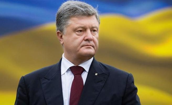Ukrayna Başkanı sıkıyönetim kanununu imzaladı