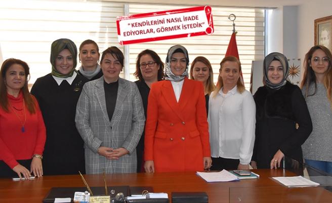 AK Parti'nin kadın aday adayları görüşme odasında