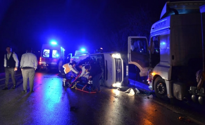 Çanakkale'de feci kaza: 4 ölü, 16 yaralı!