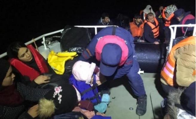 Dikili açıklarında 44 kaçak yakalandı