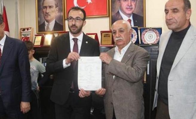 Flaş gelişme ! İl başkanı dahil 120 CHP'li AK Parti'ye geçti