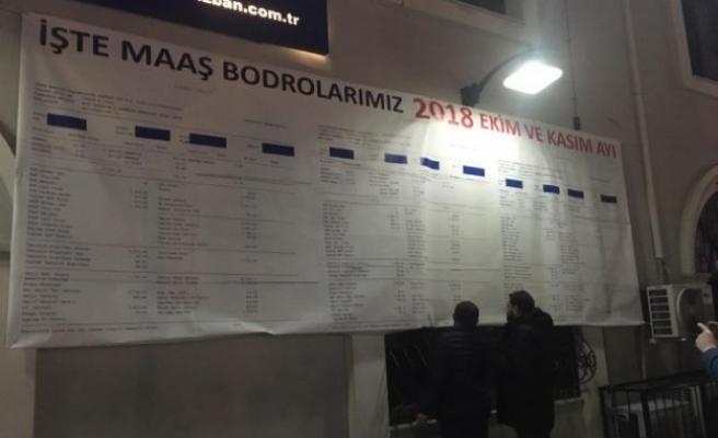 İZBAN grevi: İşçiler bordrolarını sergiliyor