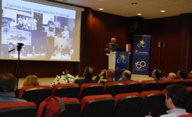 İzmir'de 'Avrupa Bisiklet Rotası Ağı Çalıştayı'