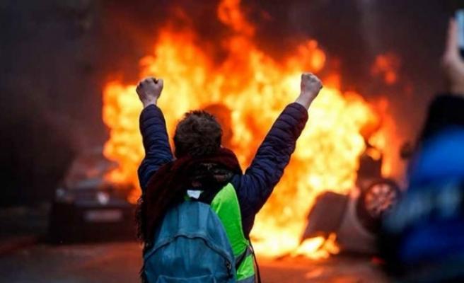Sarı Yelekler memnun kalmadı: Fransızlar aptal değil