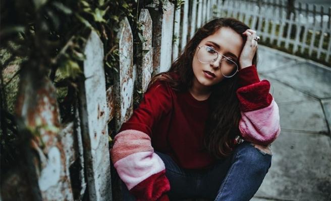 Üzüntülü kişiyi teselli etmeyin