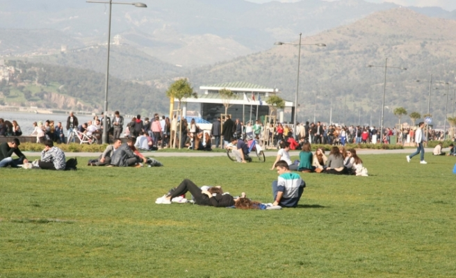 İzmir 4 gün sonra güneşe kavuştu