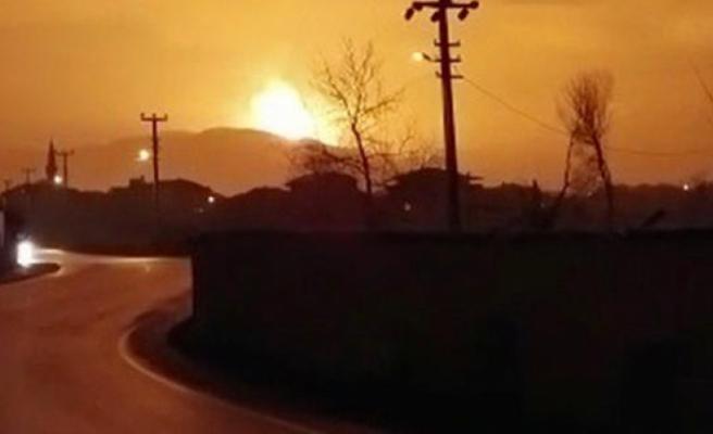 Sakarya'da patlama! Alev topuna döndü