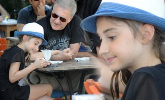 Tamer Karadağlı'nın küçük kızı Zeyno büyüdü!